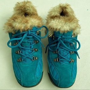 Lands End turquoise water resistant shoe